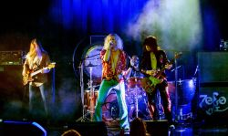 Zoso - The Ultimate Led Zeppelin Experience Live